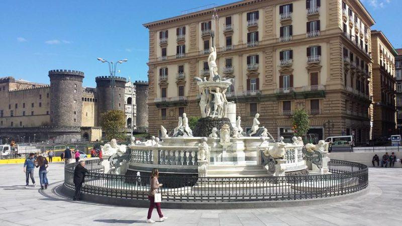 Fontana Nettuno Napoli